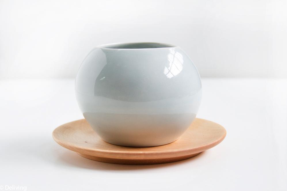 Taza ergonómica de cerámica